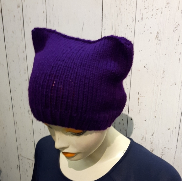 ⭐2/35$⭐Handknit cat hat purple